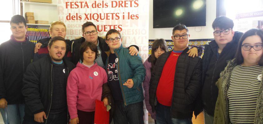 Alumnos de Transición a la Vida Adulta en el Ayuntamiento de Rocafort