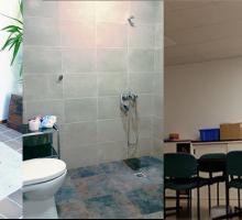 Nueva entrada, baño adaptado y nueva iluminación de la vivienda